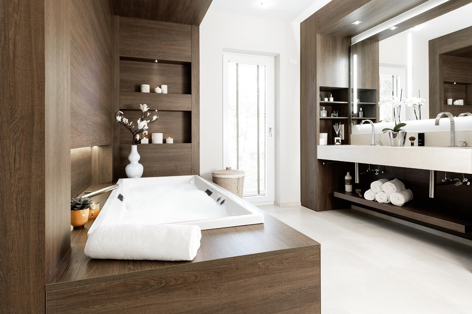 Holz im Badezimmer   bad & heizung